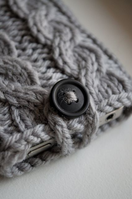 Knitting Cables Tips : Kare knits signature cable knit iphone case pattern by