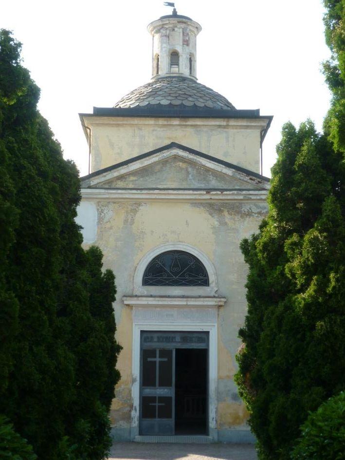 la facciata principale prima del restauro