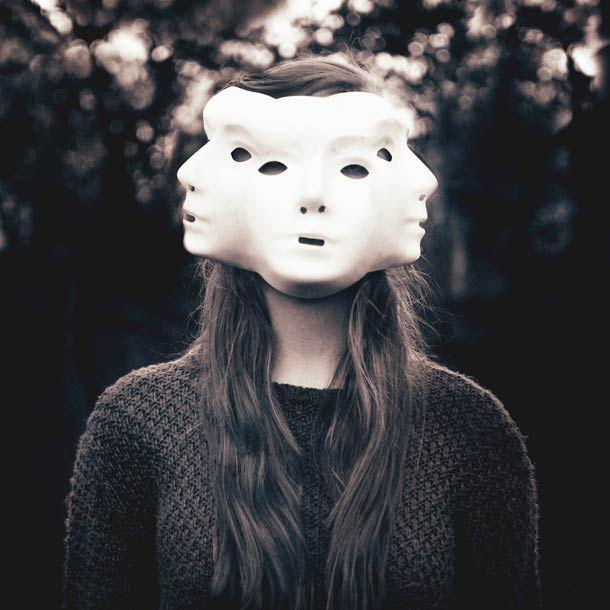 Falling – Les portraits surréalistes de Laura Williams