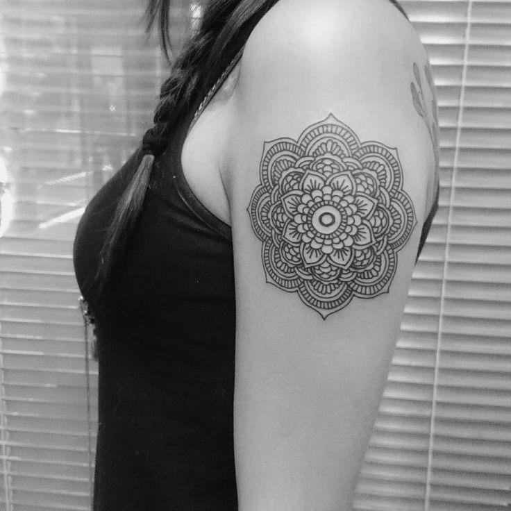 Tatuaje mandala en brazo , este y muchos trabajos mas en Ken Chou Tattoo de China Tattoo, Tatuaje profesional en Bogota, Tattoo Bogota / Tatuaje Bogota. www.kenchoutattoo.com