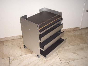 Das ist der wirklich praktische printer caddy mit breite for Design tisch taschenrechner