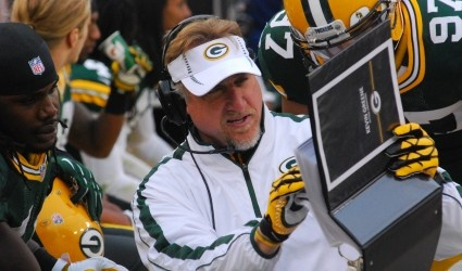 Busy day on the sidelines of Packers vs. Vikings