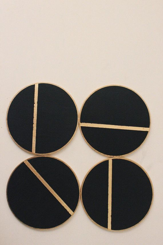 simple, modern, natural Set of four Birch wood coasters with a gold leaf detail. Perfect for adding a bit of sparkle to your table or