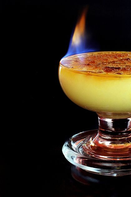 Crema Catalana is a dessert originating  from Catalonia. The Dessert is administered chilled and necessarily with caramelised sugar, preferably cane. Very simple and quick to prepare.