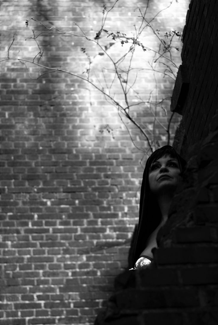 @fotografiesarina, dark, goth, gothic, photoshoot, outside, blackandwhite, sexy, SM, fetish
