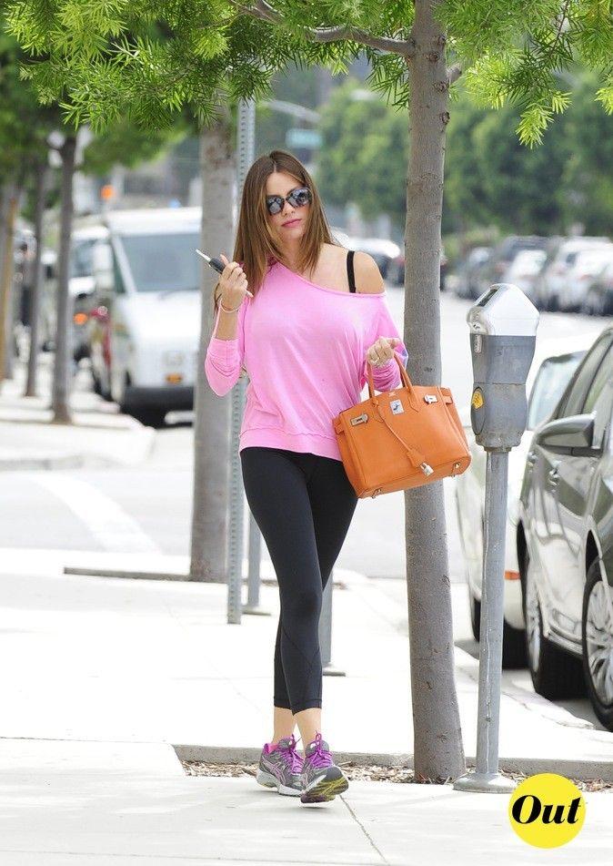 Looks De Sofia Vergara : Découvrez Le Cv Fashion De L'actrice De Modern Family !