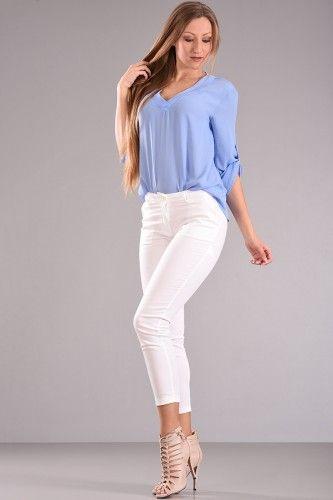 Παντελόνι chinos μέχρι τον αστράγαλο με φιλέτο τσέπη στο πίσω μέρος σε άσπρο χρώμα από βαμβακερό ύφασμα με ελαστικότητα. Συνδύαστε το με το Μεσάτο Κοντό Σακάκι και ξεχωρίστε στις εμφανίσεις σας.    Μεγέθη : Medium / Large  Χρώμα : Άσπρο  Σύνθεση : 97% COT 3%EL