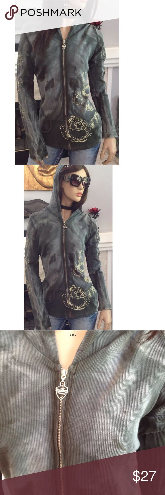 SLEDGE ZIP UP JACKET WOMEN' SWEATER  SIZE L (T6) SLEDGE ZIPPED UP WOMEN' ACTIVE SWEATER JACKET WITH HOODIE VERY NICE  SIZE L VERY GOOD CONDITION WITH NO TEARS, STAINS OR RIPS COMES FROM A SMOKE FREE HOME.  (T6) Sledge Jackets & Coats