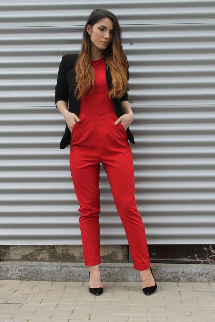 When in doubt wear red.  http://www.womanfashion.ro/salopete-online/salopeta-eleganta-pentru-ocazii-speciale-cu-spatele-decupat-2945