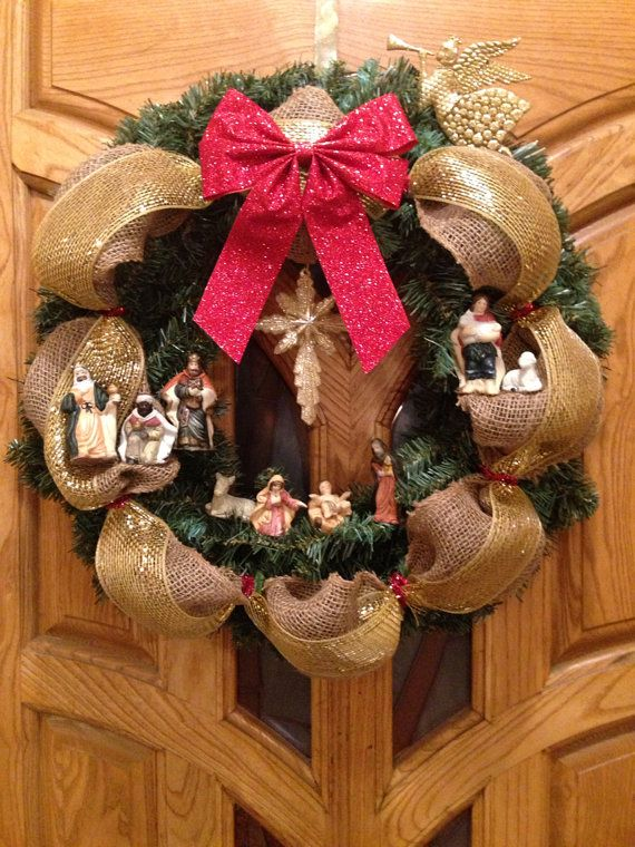 $35 Nativity Scene Holiday Wreath by DnoahJewelryandMore on Etsy