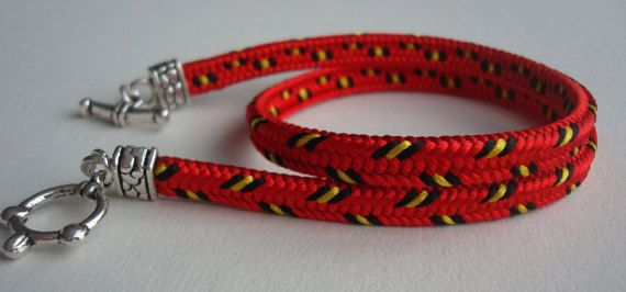 This bracelet is made in classical Japanese technique plaited Kumihimo.All the bracelets I weave the marudai.  Bracelet woven from 16 cords.Each