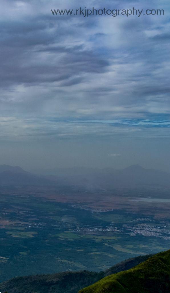 A view from Dolphins Nose @ Kodaikanal , India  #nature #photography #kodai #cloud #sky #mountain #hill #tamilnadu #travel #tourism #mist
