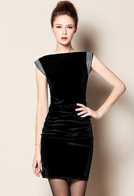 aermelloses bleistiftkleid aus velvet schwarz sheinside kleider fuer