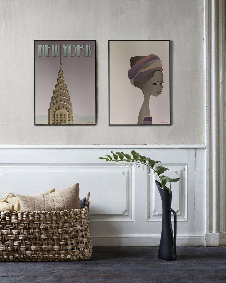 ViSSEVASSE NEW YORK Chrysler & KENYA Girl