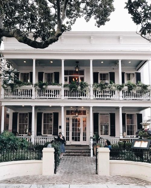 Outfit A Southern Plantation Style Home: 17 Best Ideas About Plantation Style Houses On Pinterest