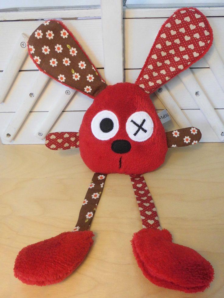 Doudou lapin rouge et marron grandes pattes : Jeux, peluches, doudous par melomelie