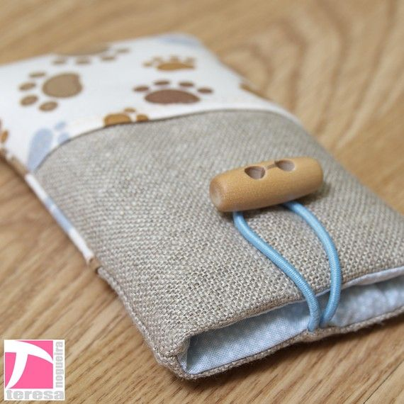 iPhone 4 pouch /  iPod sleeve / cell phone case by TeresaNogueira, €11.00