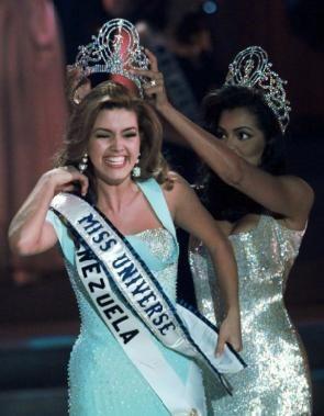 @realDonaldTrump vuelve a tirarle con to a Alicia Machado...