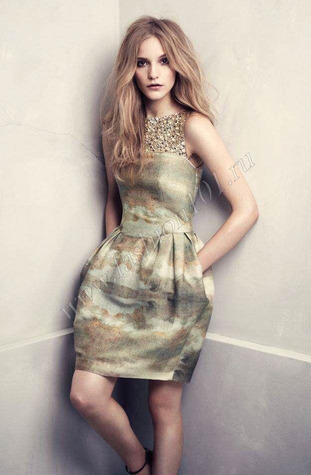 Нейтральные оттенки платьев