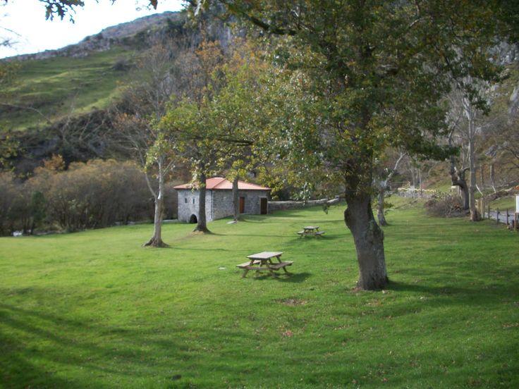Áreas Recreativas de Cantabria y alrededores: A. R. Nacimiento del río Gándara