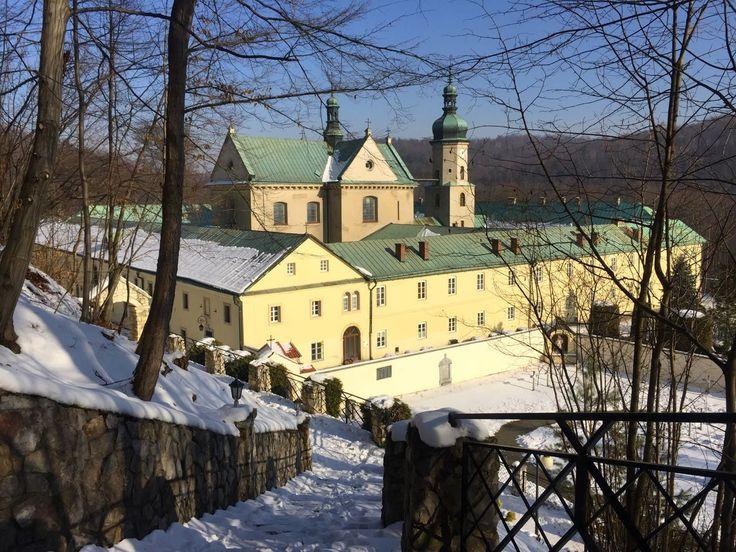 Klasztor w Czernej i Dolina Eliaszówki