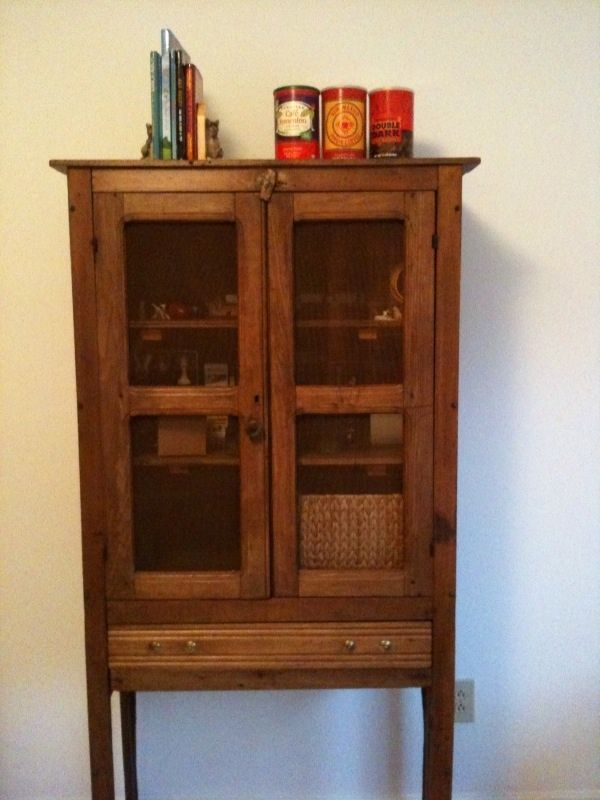 Primitive pie safe plans woodworking projects plans for Jelly cabinet plans