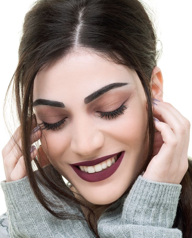 You will obsessed with this kind of elegance color. The wine red tone, perfect to wear it on your lips from day to night.  #winered #lipstick #makeuptrends #seventeencosmetics #seventeenfw1617 #fallwinter