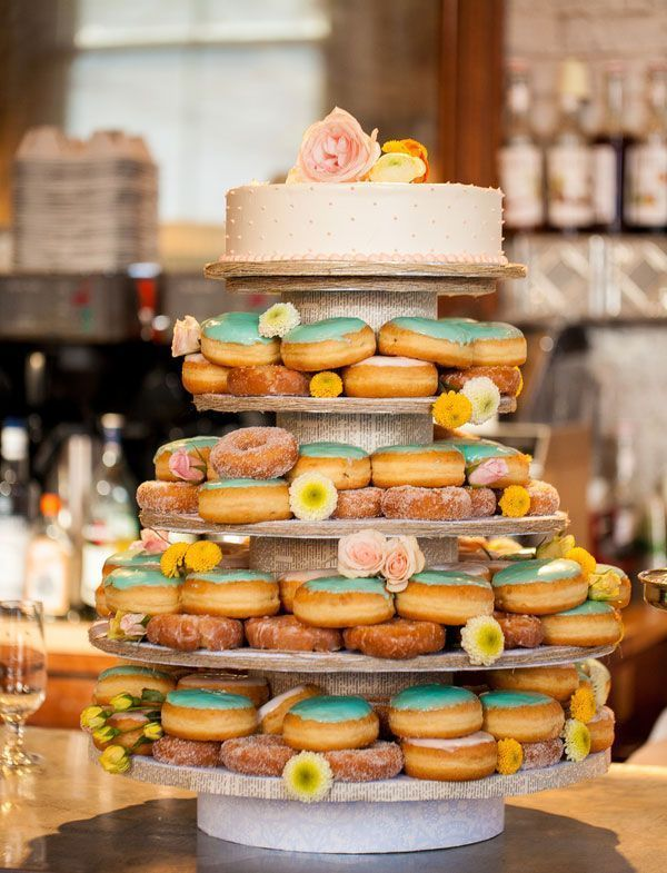 Cheap wedding ideas tips for getting married -Donuts and wedding cake | itakeyou.co.uk