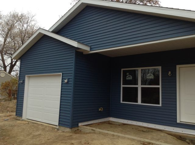 The Royal Brand Siding In Heritage Blue Looks Awesome