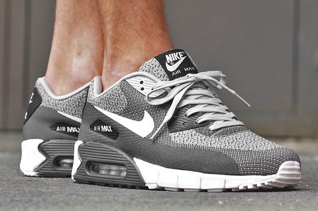 More Air Max 90 Jacquard freshness here from Nike. A plain and simple colourway engulfs the easy breathing upper, and although the interwoven black, white and grey stitching reminds us of an out of tune analogue television, this is one channel that we don't want to change. Look for these hitting the shelves at retailers including …