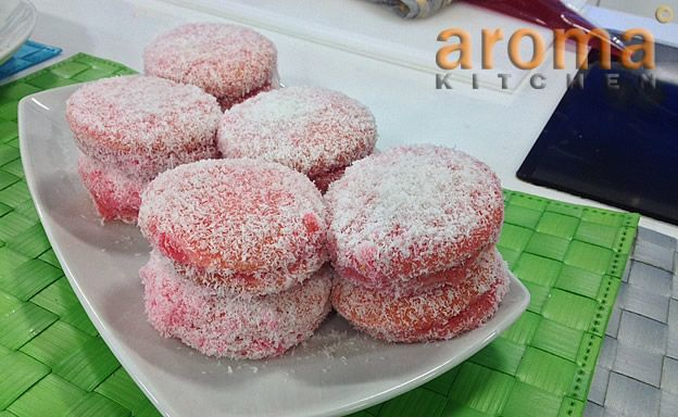 Maltese red coconut biscuits/ Pasti homor | Aceline Entertainment