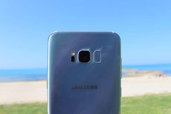 Samsung, ecco il video tutorial per farci scoprire tutte le funzioni del Galaxy S8 -  Il Samsung Galaxy S8 ed il Samsung Galaxy S8 Plus sono i due smartphone più desiderati del momento. Usciti da poche ore sul mercato italiano, questi dispositivi sono destinati a monopolizzare il commercio degli smartphone per tutto il resto della primavera e per tutta la prossima estate, in... -  https://goo.gl/j7bjA2 - #SamsungGalaxyS8, #Tutorial, #Video, #Youtube