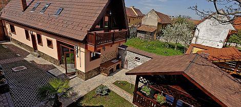 Vila de Lux, Cristian, Brasov