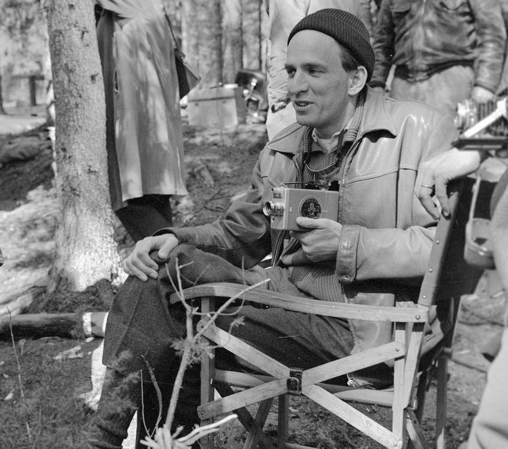 bergman men Malmsten fick ofta spela mer eller mindre maskerade alter egon till bergman, men för denna sin rollfigur kände han inte så mycket:.