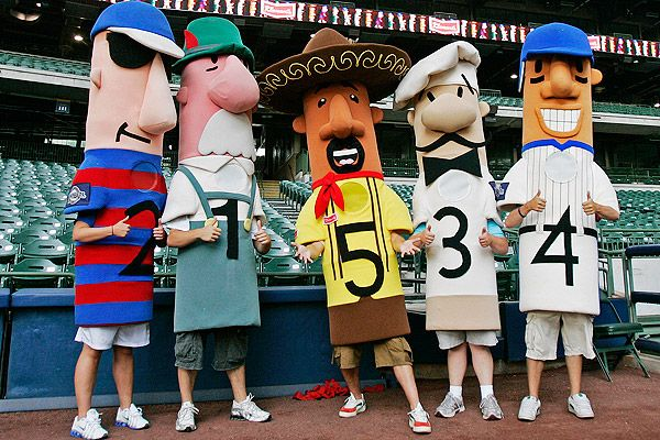 racing sausages (bratwurst, polish, italian, hot dog, chorizo), milwaukee brewers.