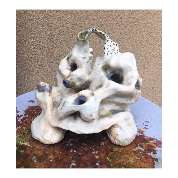 Stoneware ceramic sculpture by Emma Larsson @zebrakadebra