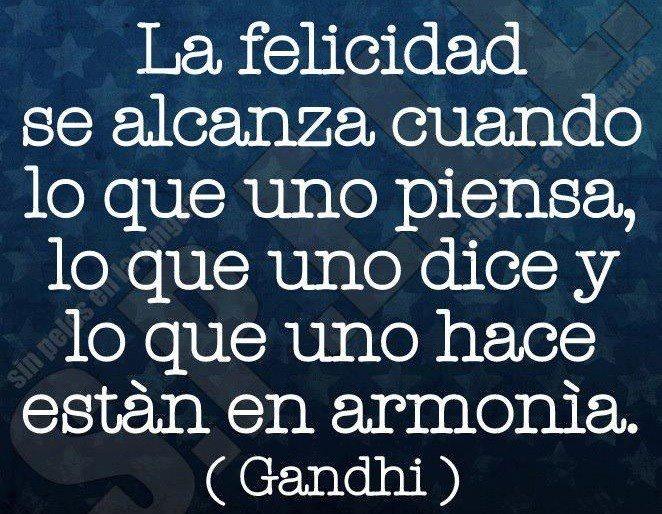 """Que grande verdades decía Gandhi!!!. Para mí la mayor marca personal que ha existido nunca. """"El perfecto ser humano"""". Tenía una visión, misión y atributos perfectos."""