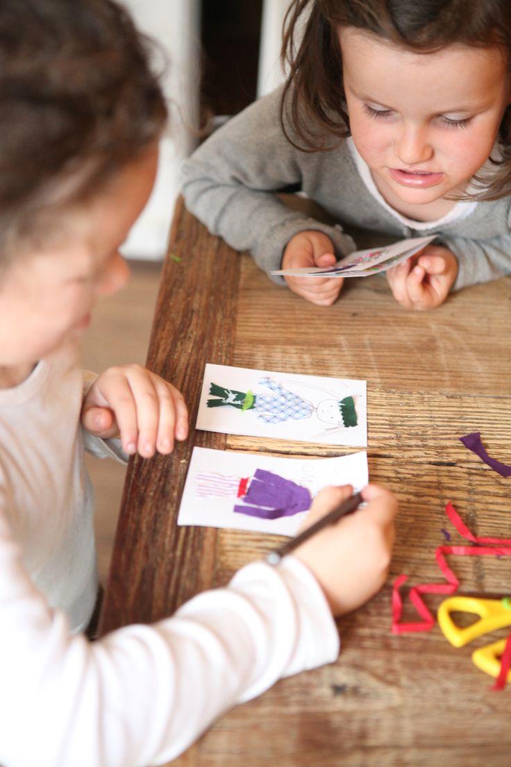 Die Spielidee für Kinder ab drei Jahren. Das DesignKit ist ein liebevoll gepacktes Kästchen mit Anziehpuppen auf Postkarten, Stoffstücken und Seidenpapier. Der Fantasie sind keine Grenzen gesetzt. www.vonschneiderlei.de #designkit #vonschneiderlein