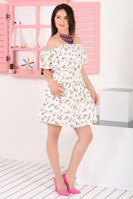 Detayları Göster Fırfırlı Çiçek Desenli Beyaz Elbise