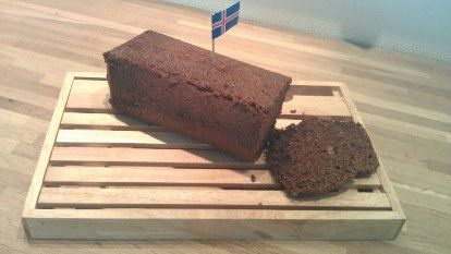 Seytt Rúgbrauð - Cooked Rye Bread. There are two kinds of rúgbrauð - rye bread - in Iceland: 1) Seytt rúgbrauð (cooked rye bread)  and 2) Óseytt rúgbrauð (baked) - - 1.	Seytt rúgbrauð (cooked) or Icelandic dark rye bread is very dark and with a sweet flavor, though no added sugar (rye breaks down). Seytt rúgbrauð is an inseparable part of Icelandic food culture. Nowadays, baked/boiled on the stove for 8-14 hrs.  2.	Óseytt rúgbrauð is lighter and similar to so-called German rye bread.