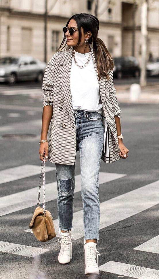 30+ Ways to Style an Oversized Blazer  cabcc09351ea9
