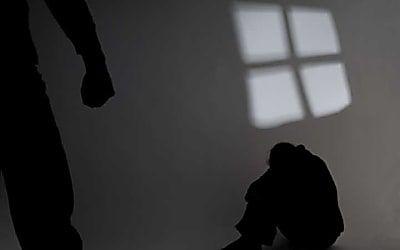 Mulher filma o próprio estupro e consegue prisão do agressor