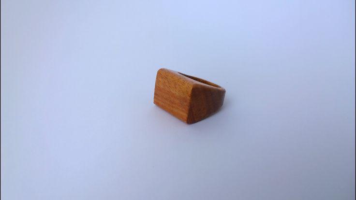 Anello in legno Frakè - Linea basica