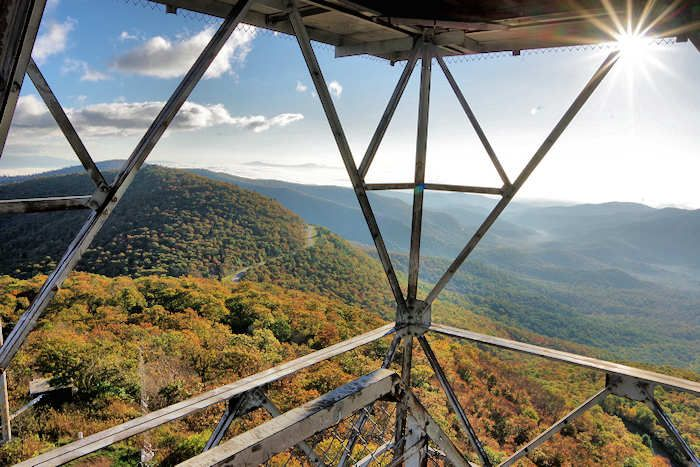 Fryingpan Mountain Lookout Tower Nc Lookout Tower North Carolina Travel Pisgah National Forest