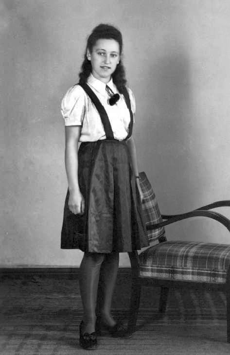 A pretty German girl in East Prussia in the 1930s. One shudders to think what happened to her in 1945....