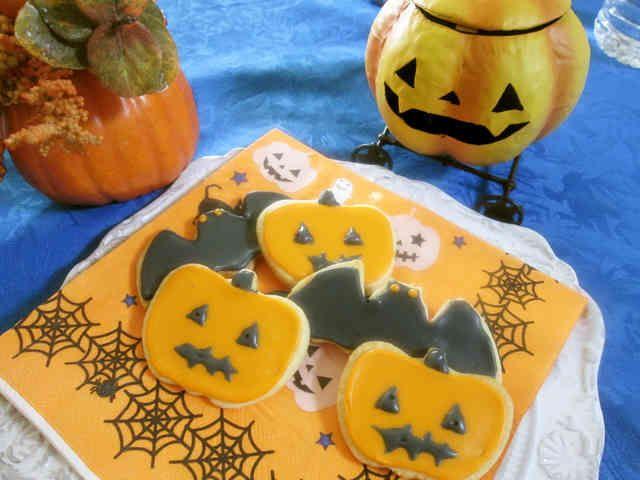 ハロウィン仕様のアイシングクッキーの画像