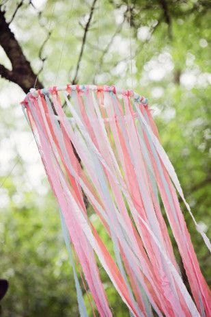 Perfect for any #Boho #Wedding! Sweet wreaths of colorful ribbons #weddingdecoration #wedding decoration #vintage