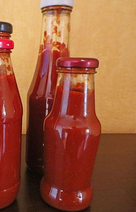 Learn how to make ketchup with our German Ketchup Recipe! This is the best ketchup, Home made and all natural. A healthy variation to the shelf ketchup!