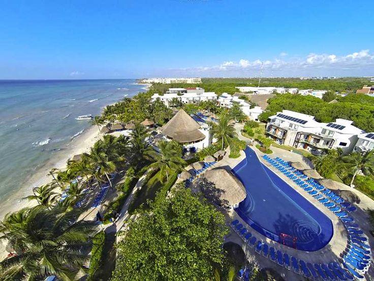 Nieuwsgierige neusberen voor het terras, rennende wasberen bij de lobby en een eeuwenoude Maya-ruïne op het resort. Sandos Caracol Eco Resort in Riviera Maya tovert een gewone strandvakantie om tot een onvergetelijke eco ervaring. Natuurlijk, de turquoise zee ligt klaar om in te duiken en rond te snorkelen. De 4 zwembaden trouwens ook. Je kunt er ook boogie boarden, dansles nemen, aquagymmen of gewoon relaxen in de poolbar. Máár! Hier zit je midden in de jungle. De ontwerpers van dit resort…