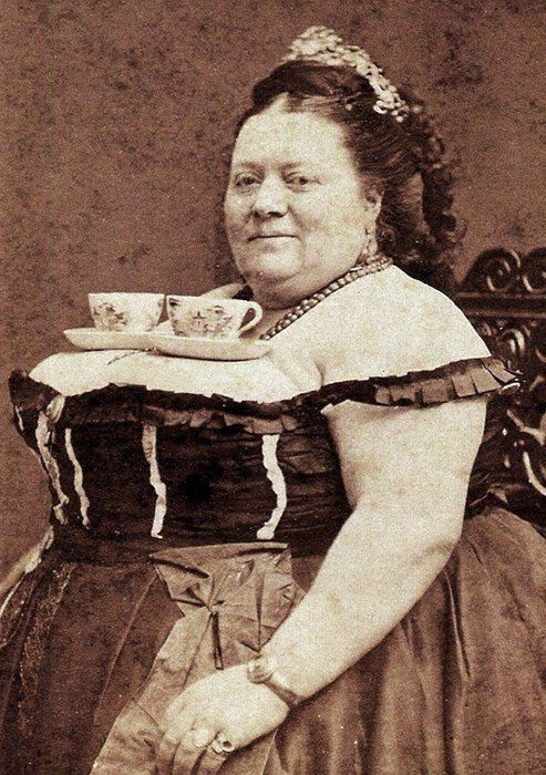 Artfully Ooglebloops: Tea on Tuesday- Vintage Style...wrong, yet funny, on so many levels!